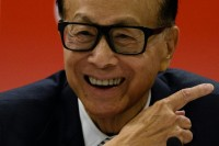 'Superman' Retires: Hong Kong Tycoon Li Ka-shing to Step Down