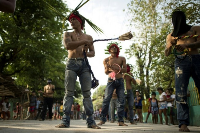 Filipinos Celebrate Easter with Crucifixion, Flogging