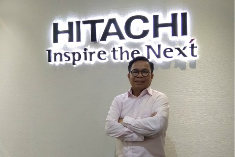 Managing Director Hitachi Vantara Indonesia Robert Kayatoe.