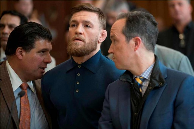 (VIDEO) Conor McGregor Serang Bus Berisi Petarung UFC