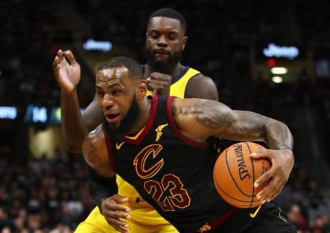 Pebasket Cleveland Cavaliers, LeBron James, pada laga melawan Indiana Pacers (Gregory Shamus/Getty Images/AFP)