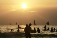 Philippines to Deploy Riot Police for Boracay Tourist Closure