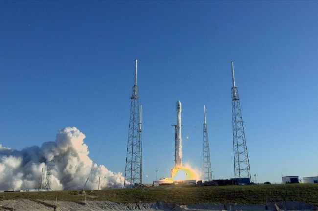 SpaceX Blasts Off NASA's New Planet-Hunter, TESS