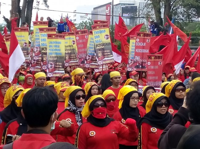 Peringati May Day, Buruh di Bandung Pilih Tablig Akbar