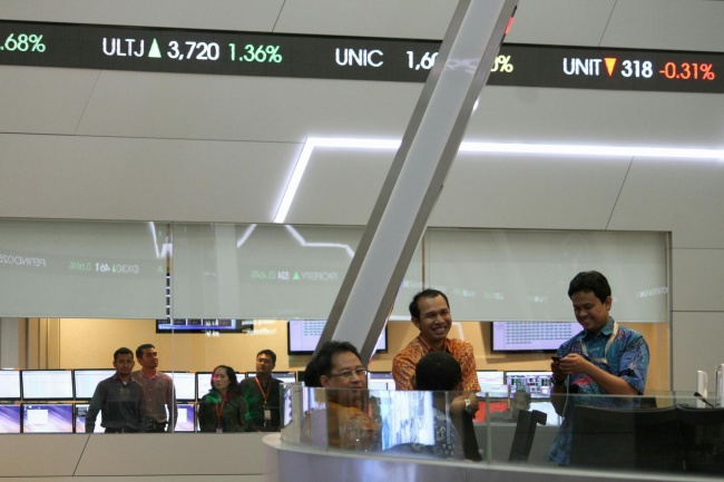 JCI Down 55.47 Points in First Session