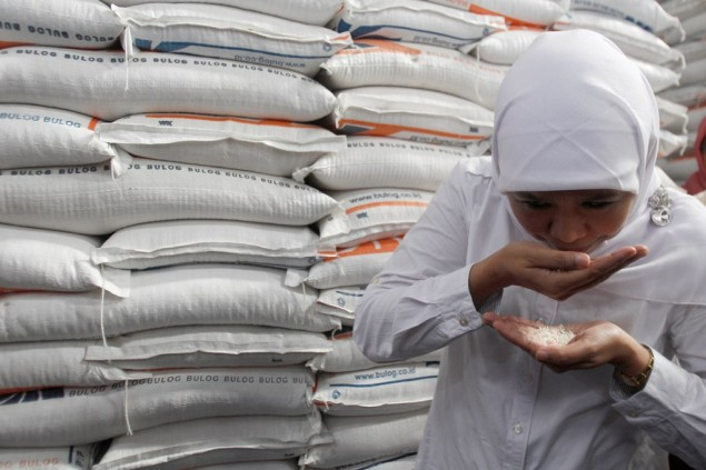 Bulog Wants Polri, TNI to Help Maintain Rice Prices