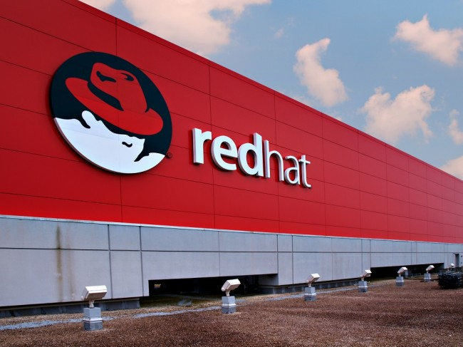 Microsoft Gandeng Red Hat Tambah Integrasi Cloud Publik
