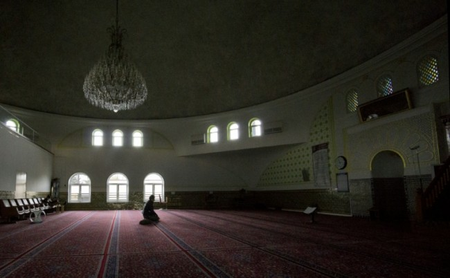 Austria to Expel up to 60 Imams, Shut 7 Mosques