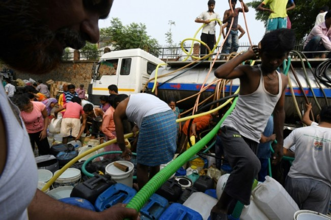 Tempers Fray, Fists Fly in India's Daily Battle for Water