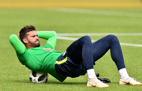 Alisson Becker (Foto:  AFP PHOTO / JOE KLAMAR)