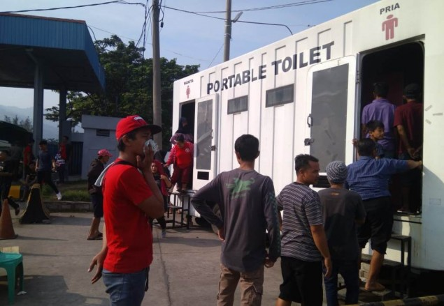 Toilet <i>Portable</i> Pelabuhan Merak Bau dan Minim Air