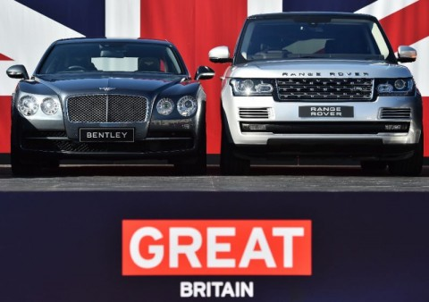 Two British built-cars, a Bentley Flying Spur and a Range Rover, pictured in London in 2015. (Photo:AFP/Ben Stansall)