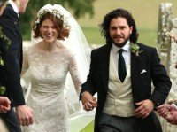 Pemeran Jon Snow dan Ygritte di Serial Game of Thrones Menikah