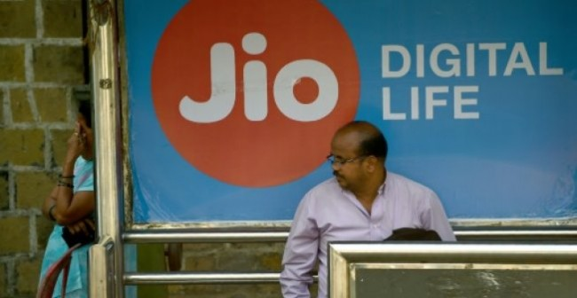 India's Richest Man Unveils Broadband Plan