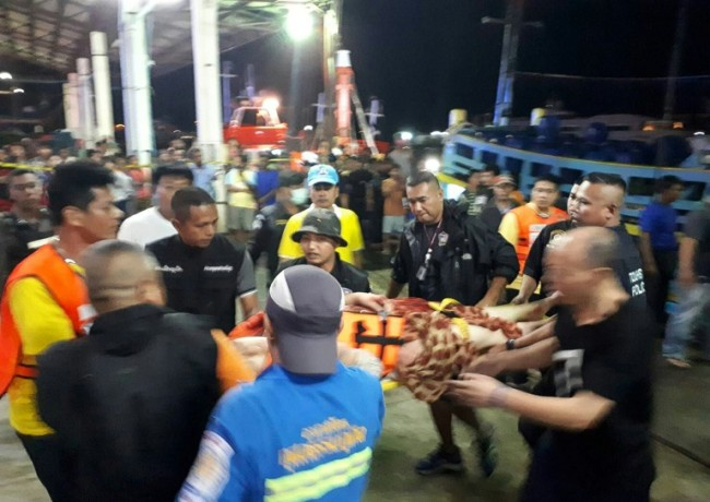 12 Bodies Found, Dozens Missing as Chinese Tourist Boat Sinks off Thailand