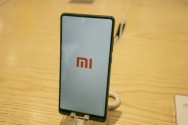 Shares in China's Xiaomi Fall on Hong Kong Debut