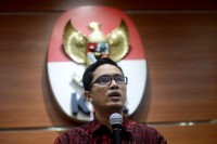 KPK to Summon Idrus Marham and Sofyan Basir as Witnesses