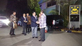 Prabowo Arrives at Army Hospital to visit SBY