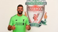 Menanti Debut Alisson Becker