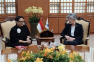 FM Retno Holds Bilateral Meeting with Her South Korean Counterpart