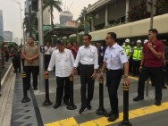 Jokowi Inspects Sudirman Sidewalks