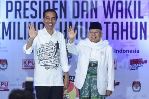 Incumbent president Joko Widodo and his running mate Ma'ruf Amin (Photo:Antara/Hafidz Mubarak)