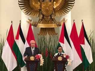FM Retno Urges Australia to Support Israeli-Palestinian Peace Process