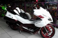 Honda PCX Si 'Burung Hantu' Garapan Hollywood Motor Sports