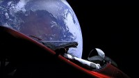 Maneken SpaceX Starman Sudah Lewati Orbit Mars