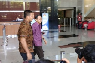 Boediono Questioned by KPK