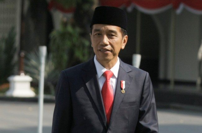 Jokowi Inspects Bakauheni-Palembang Toll Road Project