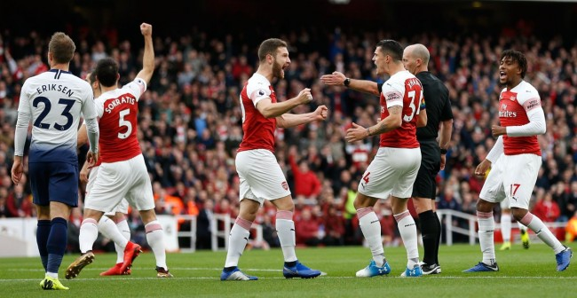 Arsenal Perkasa di Derby London Utara