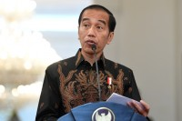 Jokowi Vows to Complete Trans-Papua Highway