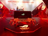 ASUS ROG Phone Jadi Penguasa Smartphone Gaming Indonesia