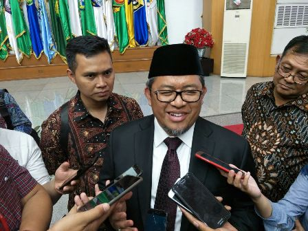 Former West Java Governor Answers KPK Summons