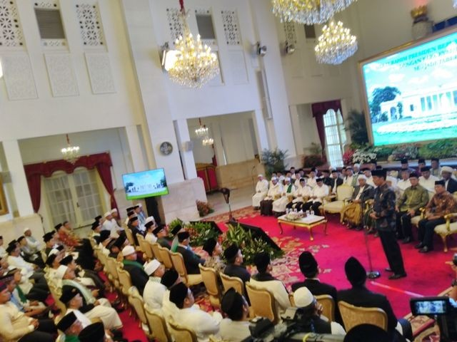 Jokowi Receives Clerics from Greater Jakarta Area