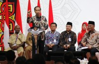 Jokowi Pastikan Dana Desa Naik