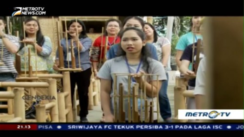 Angklung is Indonesia (2)