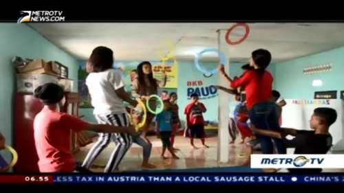 Red Nose Foundation Teach Children Circus Skill