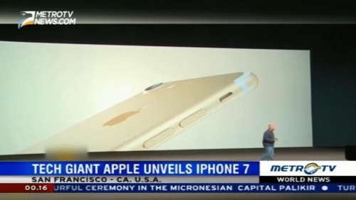 Tech Giant Apple Unveils iPhone 7