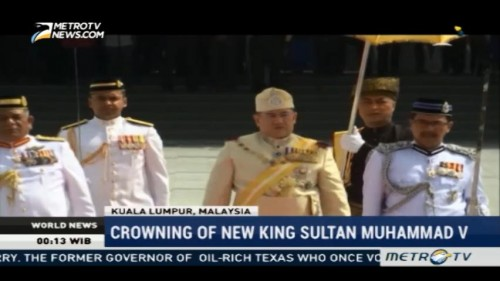 Malaysia's New King Sultan Muhammad V Enthroned in Traditional Ceremony