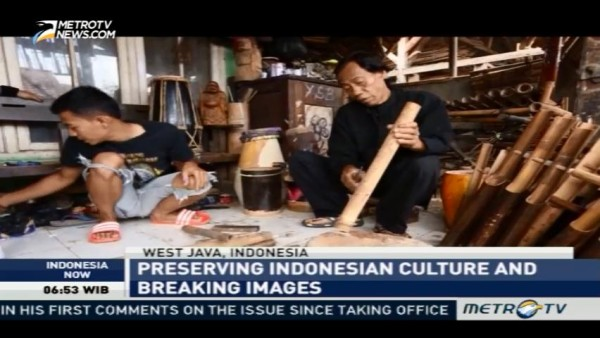 Meet Punk Community Who Preserves Indonesia Culture