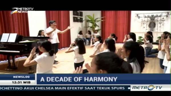 Behind the Scene A Decade of Harmony (1)