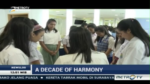 Behind the Scene A Decade of Harmony (3)