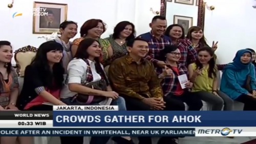 Crowds Gather for Ahok