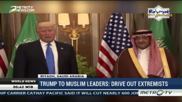 Trump to Muslim Leaders: Drive Out Extremists