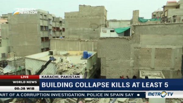 Building in Pakistan Collapse, 5 Killed