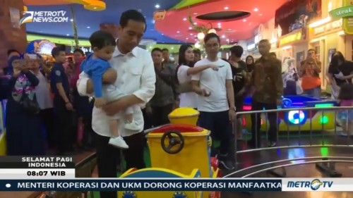 Jokowi Ajak Jan Ethes Bermain ke Mall