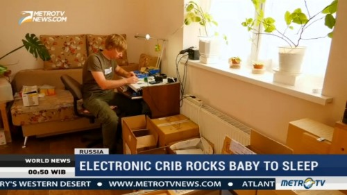 Electronic Crib Rocks Baby to Sleep