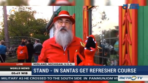 Stand-in Santas Get Refresher Course